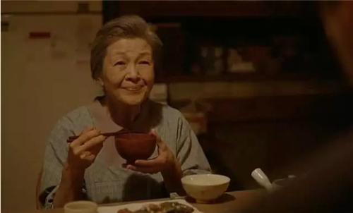 泰国又一个逆天广告《记得养育你的每一口饭》,感动了全球20亿人!